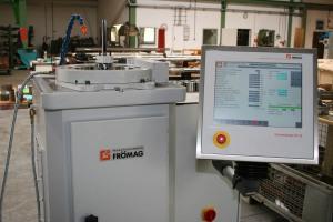 Nut- und Profiliermaschine Frömag: CNCE50-2-APC